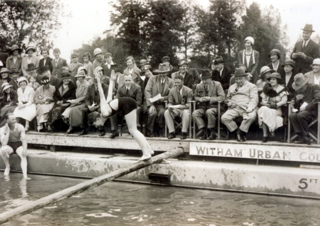 The opening of the pool in 1933. The notables on the front row include, left to right: W. W. Burrows (centre, large hat), Esmond Smith (no hat), Gerald Bright (hands together), Sir Valentine Crittall (white suit; he performed the opening ceremony)