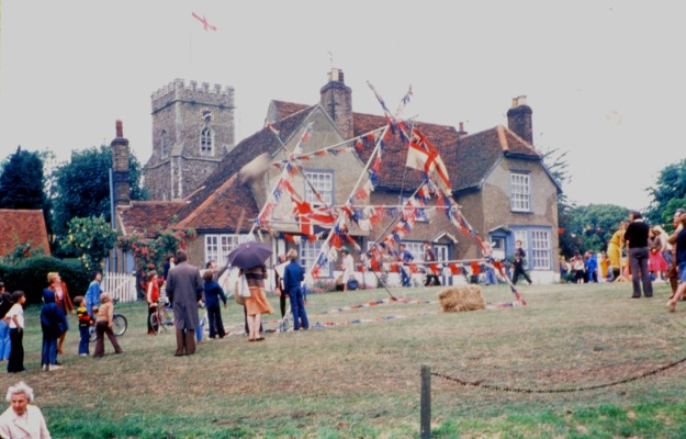 w942 first medieval fair 1978, the green