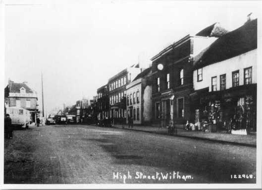 Wide part of Newland Street, discussed below, with Crittall's bus